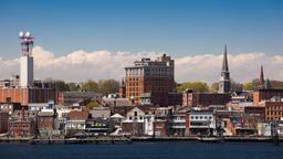 Hotels in New London